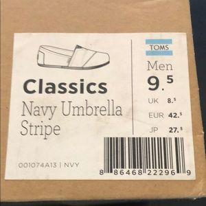 Men's classic TOMS shoe
